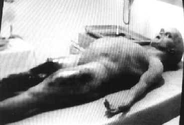 alien autopsy scene